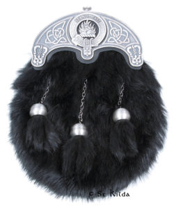 L-SGTCLAN01-Black-Rabbit-Fur-Antique-MacKenzie-Crest
